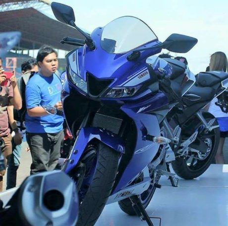 all-new-yamaha-r150-2017-racing-blue