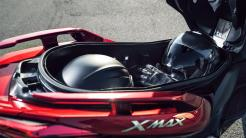 2018-Yamaha-XMAX-125-ABS-EU-Radical-Red-Detail-004