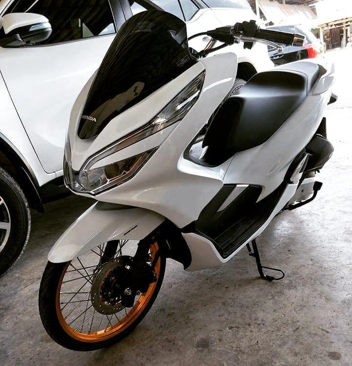 Modifikasi Honda Pcx 150 Terbaru 2018 Pakai Velg Ring 17 Dipadu Ban Cacing Ini Bikin Greget Bmspeed7 Com