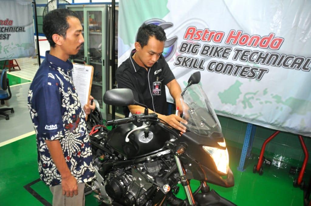 Teknisi Big Bike Honda