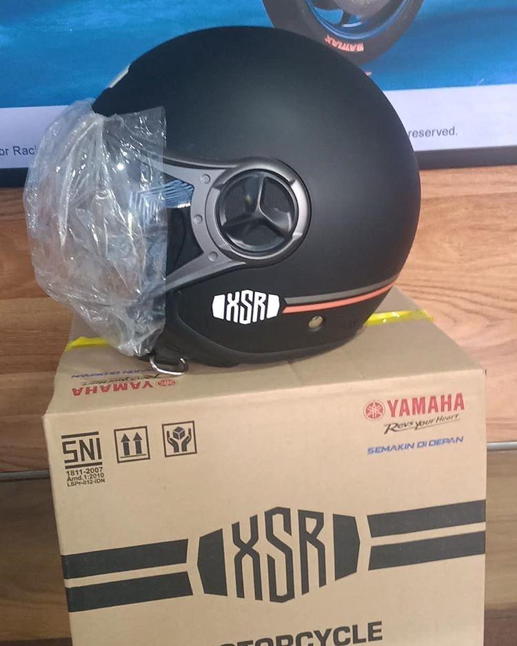 Helm Bawaan Yamaha XSR 155
