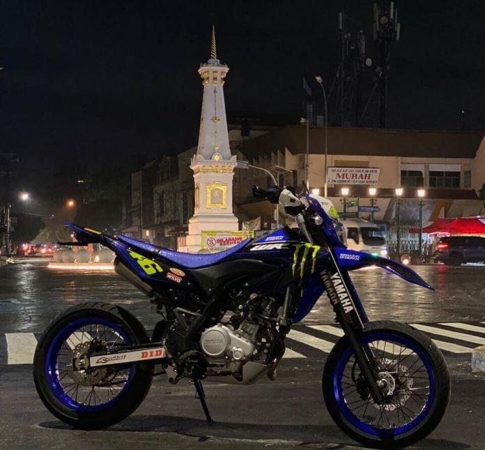 Yamaha WR155R Supermoto