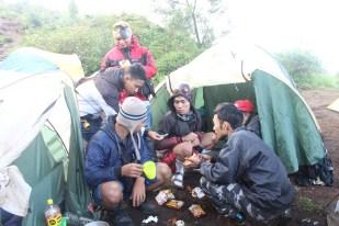 Pengalaman-Mendaki-gunung-Prau-Dieng-Banjarnegara-BMspeed7.com_37