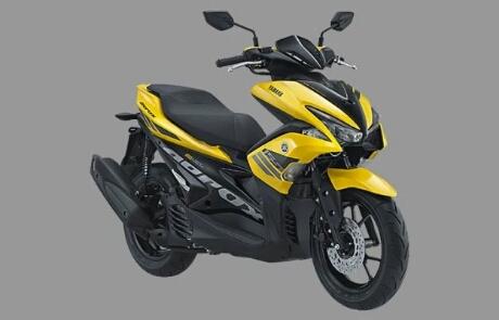 Foto studio Yamaha Aerox 155 warna yellow/kuning