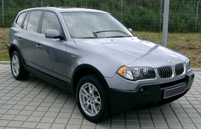 1280px-BMW_X3_front_20080524