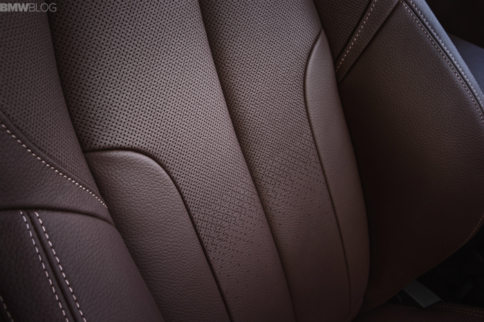 2016-BMW-X1-interior-1900x1200-images-10