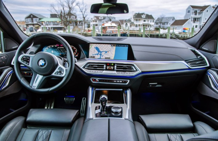 2022 BMW X6 M50i Interior