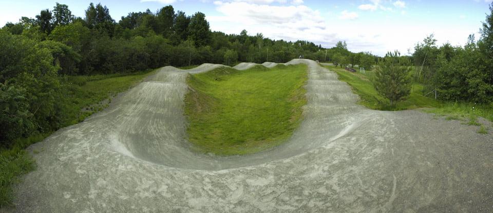 Construction et conception de la piste de BMX de calibre régional à Château-Richer, proche du mont St-Anne