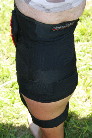 Troy Lee Designs Lopes Kneeguards - back