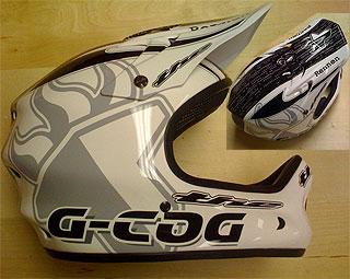 THE Rennen G-Cog helmet