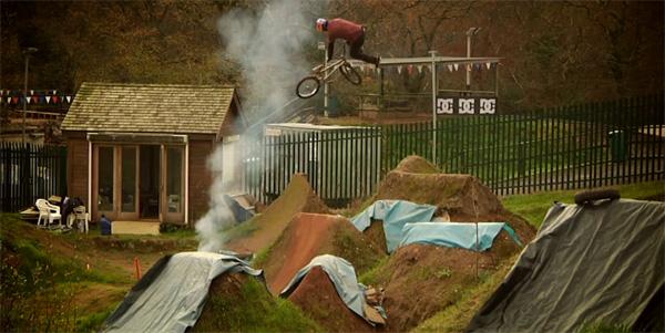 kye-forte-red-bull-tires-on-the-dirt-bmx-video