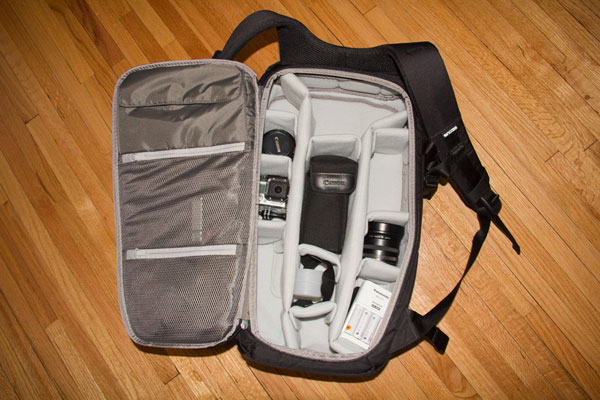 Insight: Incase – DSLR Pro Camera Bag