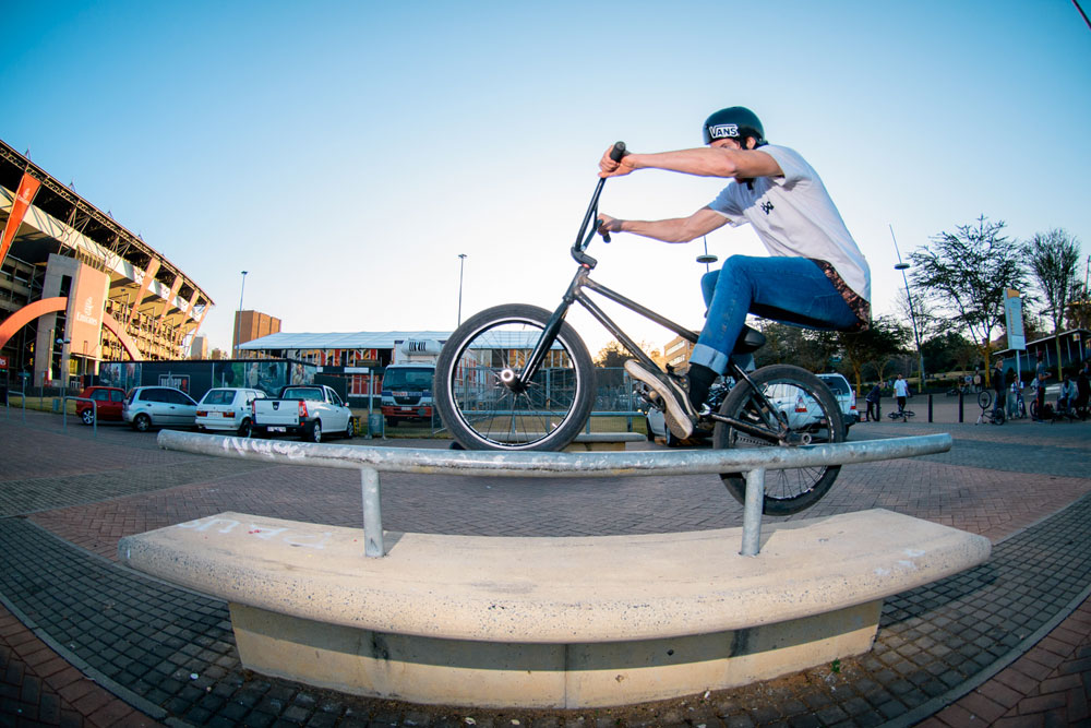 Werner-Heindrich-made-the-trip-up-from-Cape-Town-and-impressed-everyone-with-his-peg-game---Icepick---Ellis-Park