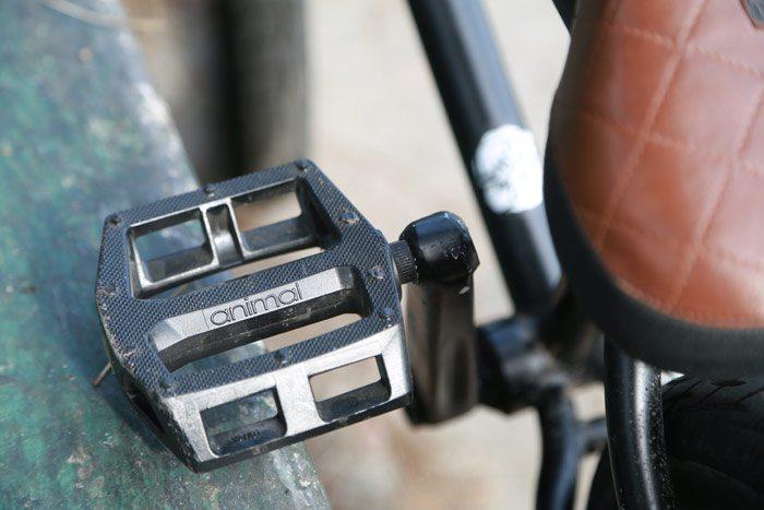 ben-lewis-bmx-bike-check-pedals