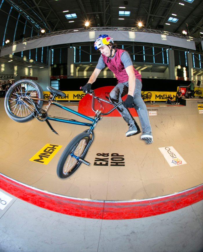 BMX-miniramp-mash-exhop-ispo-Daniel-Dhers-2016-1