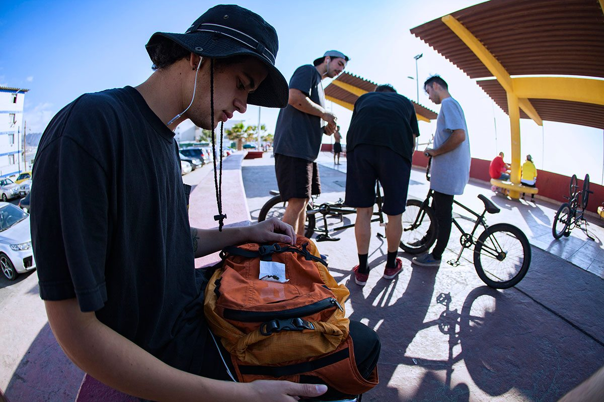 backpack-chile-bmx-road-trip