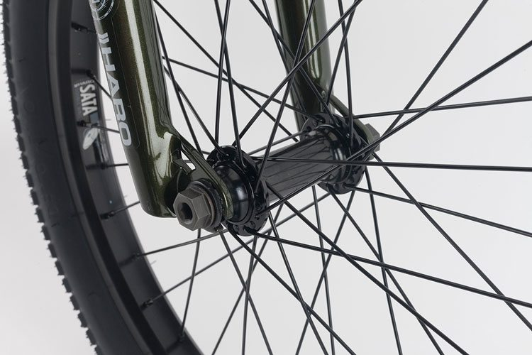 haro-bmx-2017-sd-complete-bike-front-hub