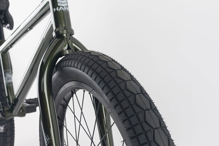 haro-bmx-2017-sd-complete-bike-front-tire