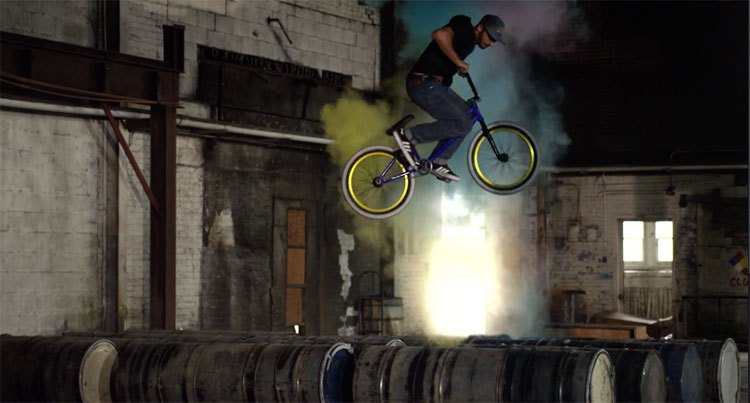Red Bull - Raditudes: Must Dust with Corey Martinez