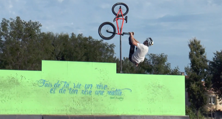 Frenchys – A Few Days with the Mongoose Team