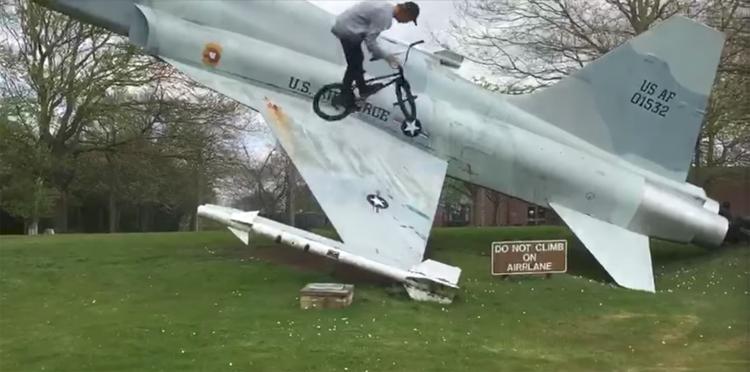 S&M Bikes – Harry Barrett Is Stupid Tech