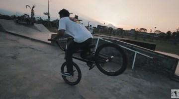 Arya Dypta Balance BMX video