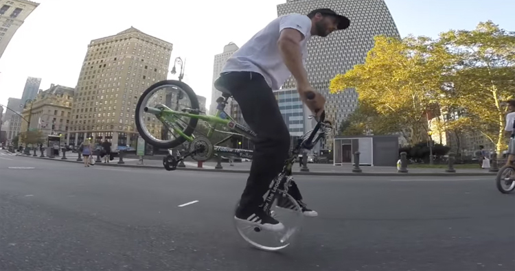 Billy Perry – $80 Wal-Mart Bike VS NYC Streets