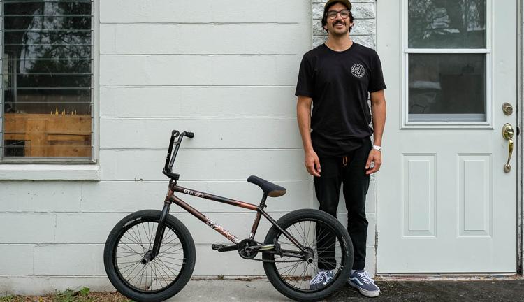 Shadow Conspiracy – Albert Mercado Bike Check