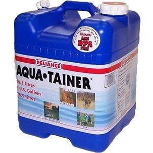 Канистра для воды Aqua-Tainer - 8 вещей для дома, которые повысят шансы на выживание при ЧС