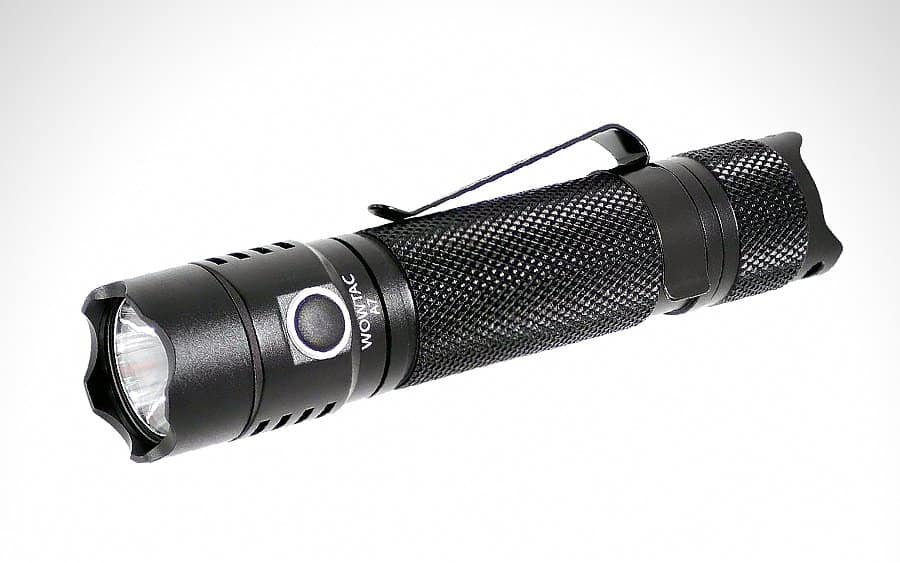 8 - WOWTAC A7 Tactical Flashlight - Тактические фонари - лучшие модели за 2020-й год