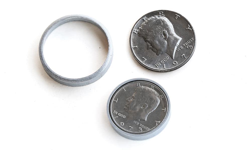 ...А в монету можно вместить карту памяти.