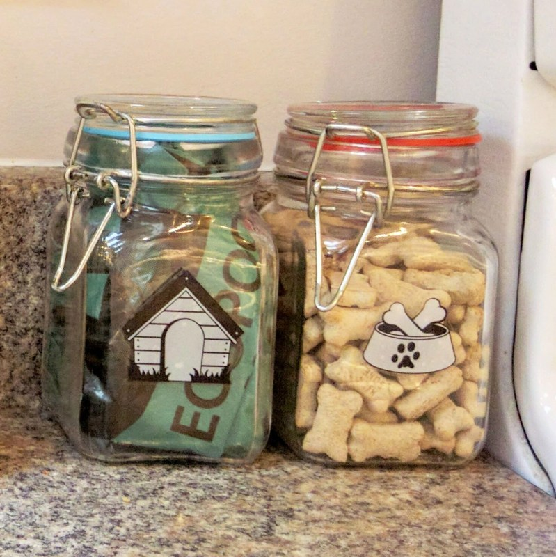 small airtight bottles with doggie treats