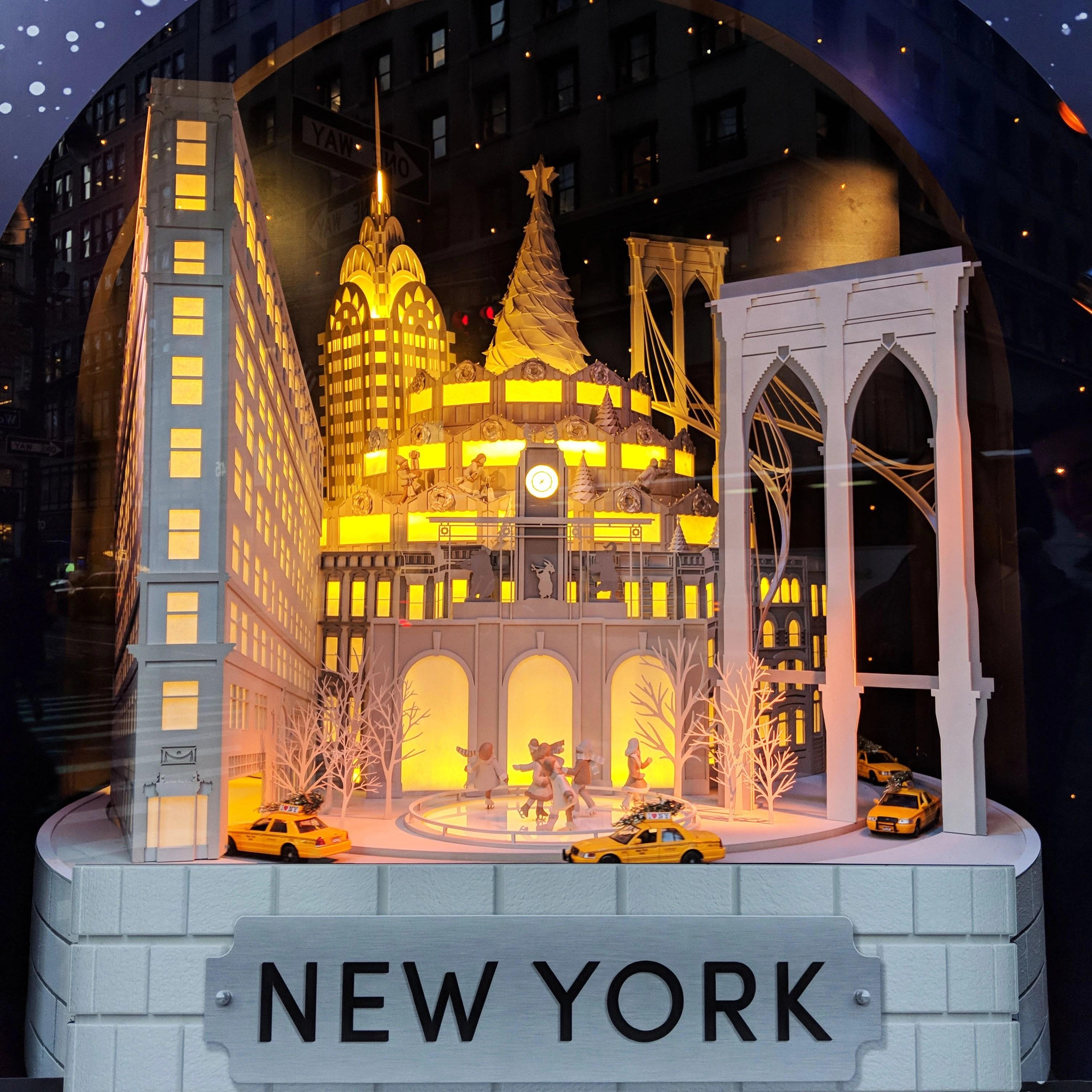 christmas window display in new york city