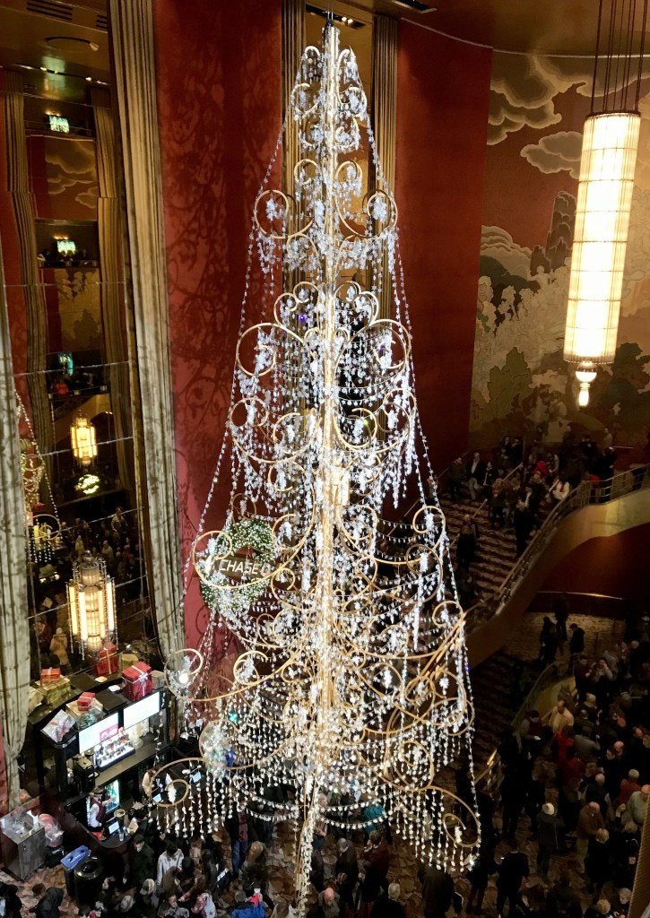 the lobby in the radio city music hall