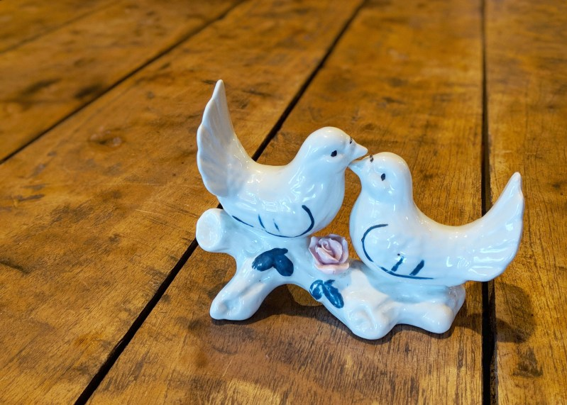 porcelain love birds in an Airbnb in Tijeras, New Mexico