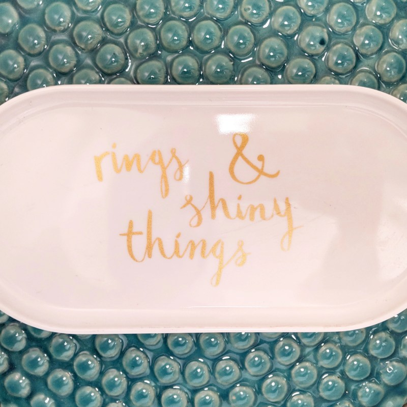 little tray for rings and glasses