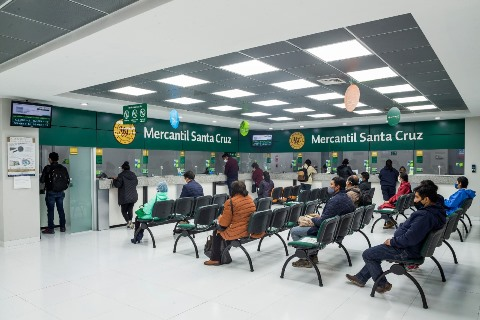 La revista internacional especializada en negocios y finanzas, Euromoney, reconoce nuevamente al Banco Mercantil Santa Cruz como el mejor banco del país