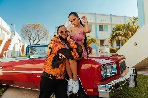 """Becky G y El Alfa lanzan su nuevo single y video """"Fulanito"""""""