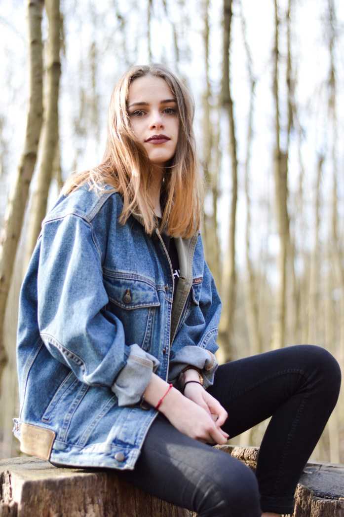 girl-shooting-wood-blue-jean-bnsphotography (2)