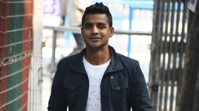 कोलकाता: पूर्व फुटबॉलर मेहताब हुसैन ने 24 घंटे के भीतर अपना मन बदलकर बीजेपी का दामन थाम लिया