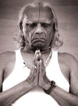 Guruji-Iyengar-France-Namaste1