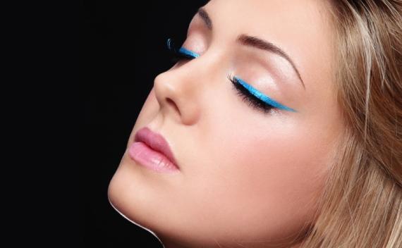 Maquiagens para noite: Delineado colorido