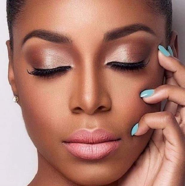 Blush para maquiagem para negras 2022