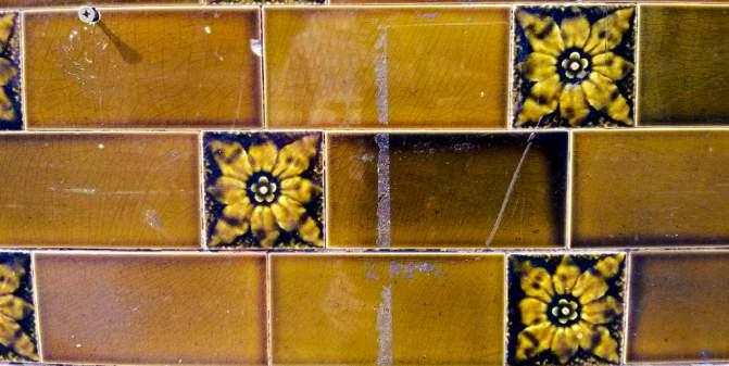 Crown Hotel, Salford: tile details.