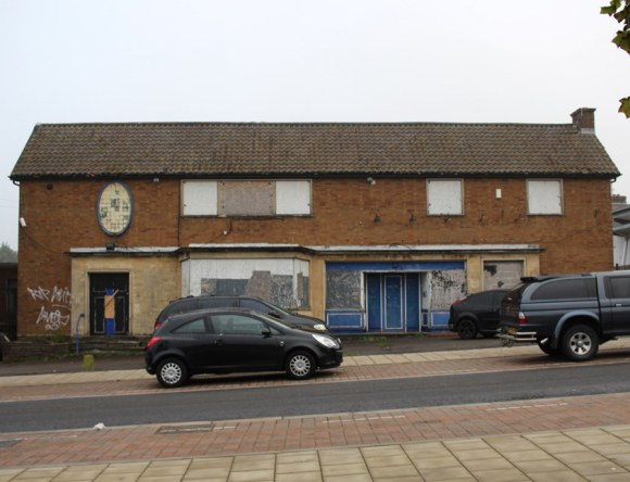 The Blue Boy pub, Lockleaze, face on, in 2017.