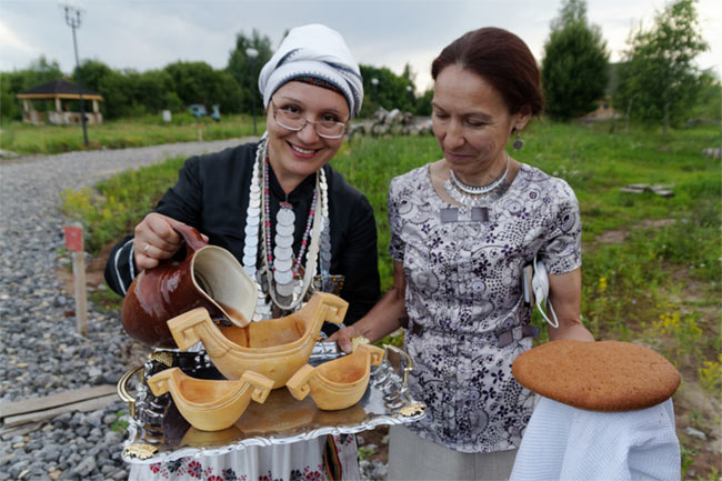Women serving beer in Chuvashia.