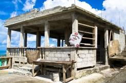 Vernachlässigtes Bauwerk im Hochland von St. Lucia