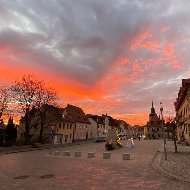 So ein toller Abendhimmel über Bad Lauchstädt #boardinghouseammarkt #badlauchstädt #badlauchstaedt #lauchstädt #lauchstaedt #sonnenuntergang #abendhimmel #ferienwohnung #fewobadlauchstädt