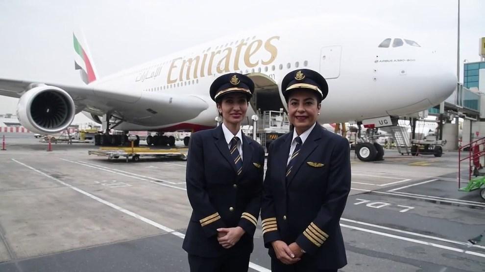 Resultado de imagem para mulheres emirates