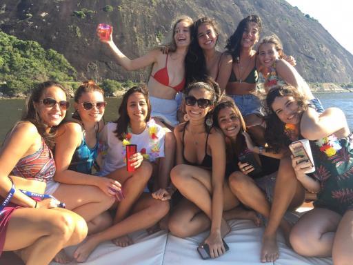 Festa no barco!